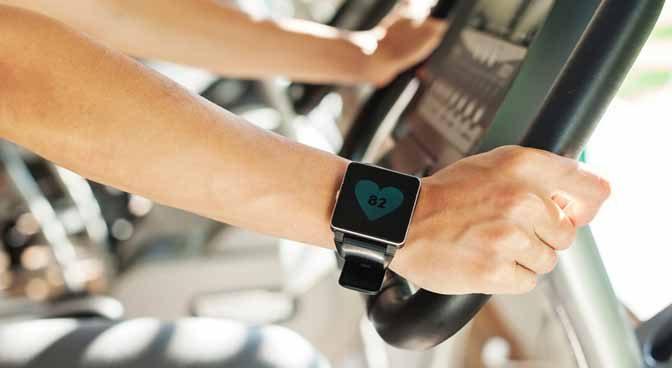 What-Is-The-Difference-Between-A-Smartwatch-And-An-Activity-Tracker