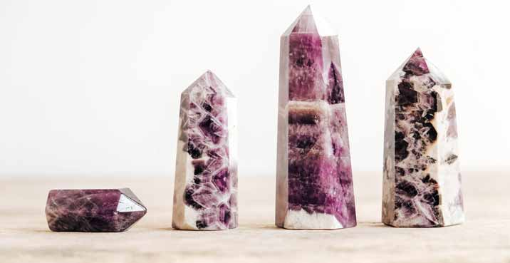 How do You Use Pointed Crystals